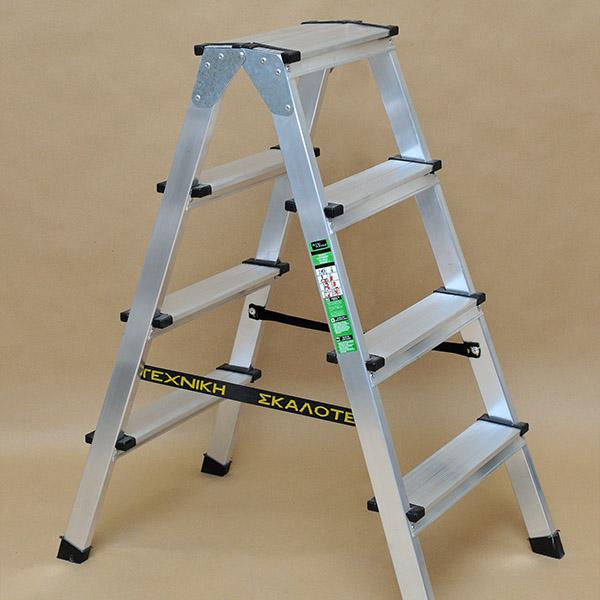 Διπλή σκάλα αλουμινίου ενισχυμένη