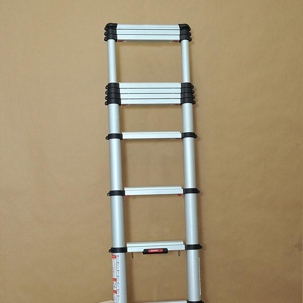 Τηλεσκοπική σκάλα αλουμινίου με ρυθμιζόμενο πόδι ανταλλακτικό